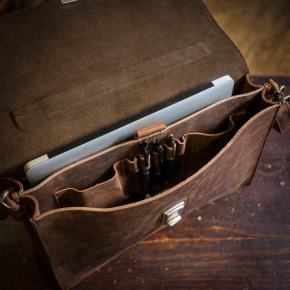 tas kerja kulit untuk pria