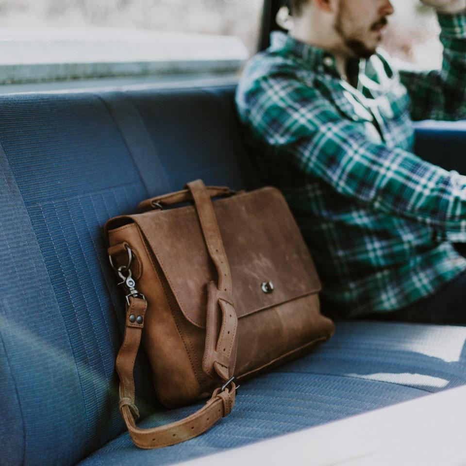 tas messenger bag kulit online